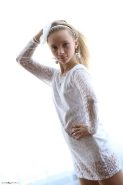 Silver Jewels - Alice - White Lace 5