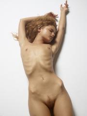 Julia-Nude-Figures-10000px-%2831.07.2016%29-c6txn7b6o1.jpg