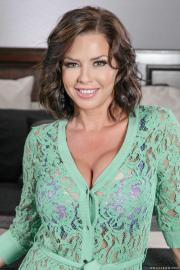 Brazzers Veronica Avluv & Danny D - Napping Naked 553