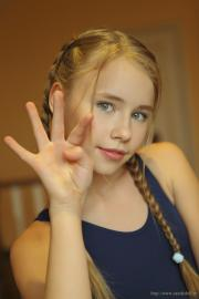 TeenModeling.TV - teenmodeling.TV / TMTV - Hanna - Black
