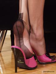 Nylon Glamour - Donna 01