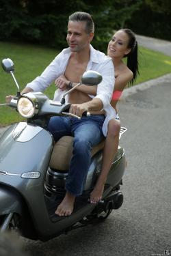 Lexi Layo - Joyride To The Heart 09-28-e6r8vjqg0r.jpg