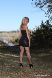 Southern-Legs-Heidi--u6sb80pnut.jpg