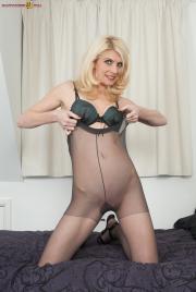 PH4U-Biance-in-Pantyhosed-Blonde-Plaything-n6sfhi2wp5.jpg