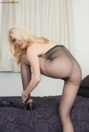 PH4U-Biance-in-Pantyhosed-Blonde-Plaything-a6sfh0ep2l.jpg