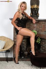 PH4U-Lucy-Zara-in-Hot-Nylon-Hussy--g6sh08fmls.jpg