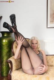 PH4U-Kelly-Fox-in-Sexy-In-Sheer-Black-Pantyhose-n6sh2a0dk4.jpg