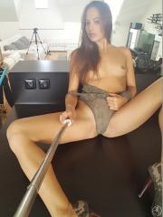 2018-11-13-DC-Continue-With-Selfie-Stick-%26-Army-Shoes-x6s3f7x0fk.jpg