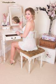 PH4U-Lucy-Lauren-in-Invisible-Pleasures-e6s3wu0u6e.jpg