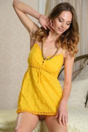 2018-08-05-S18-Irene-in-Yellow-Dress-u6tah30ucz.jpg